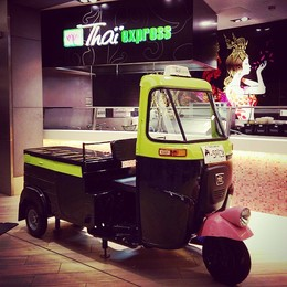 Thai express, tukshop, piaggio ape, piaggio commercial Hull, street food mobile, coffee latino, roving cafe, roving cafe ldn, roving cafe bethnal green, hayley edawrds roving cafe
